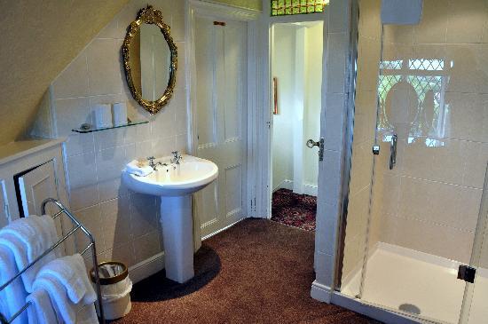 The Minadab Cottage: unser Badezimmer