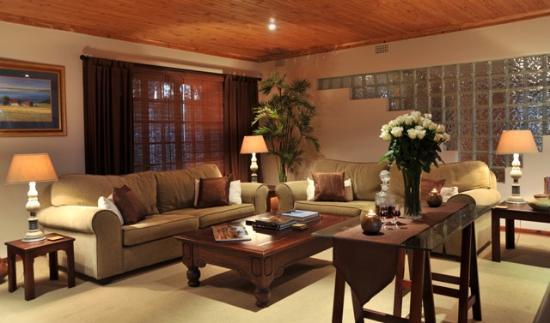 تشستنت كنتري لودج: Lounge Area at the Lodge