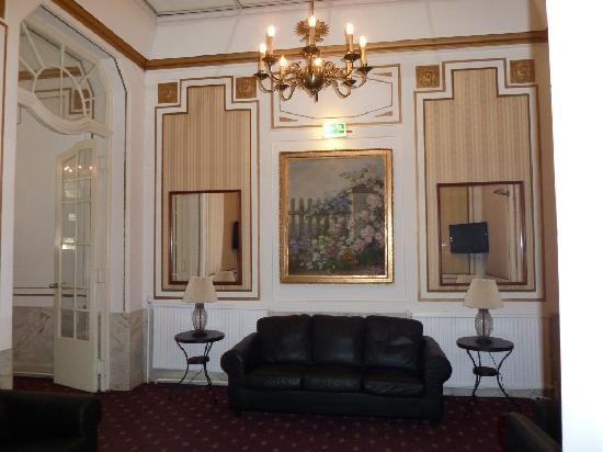 Hotel Viktoria: Glanzvolles Entree