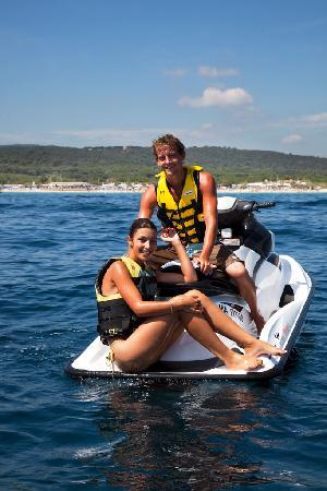 Les Prairies de la Mer: Riviera Water Sport