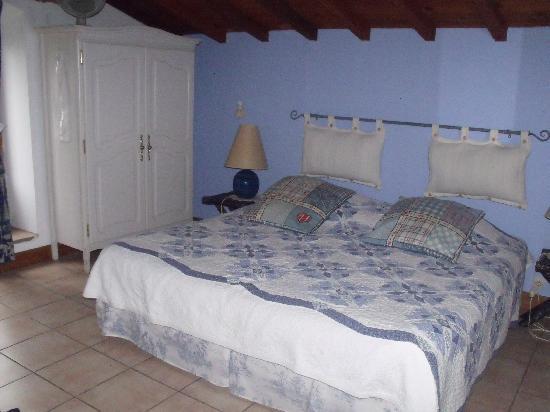 La Sauzette: Chambre Blue Océan