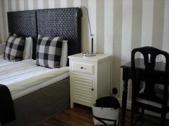 Molle, Suecia: Our really cosy double room