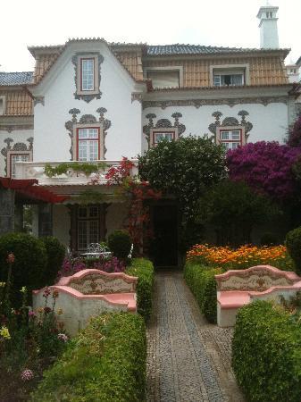 Pergola House: So picturesque