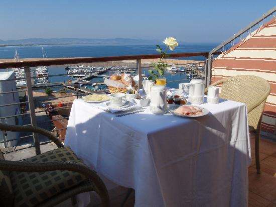 Hotel Corallo : Breakfast on the room's terrace