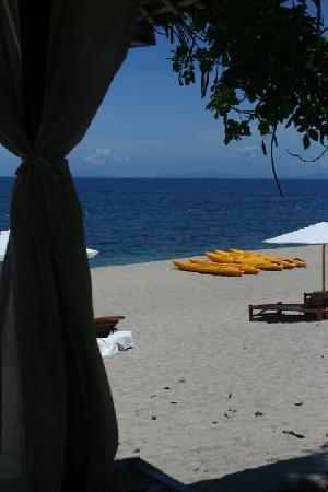 La Luz Beach Resort: view from the cabanas
