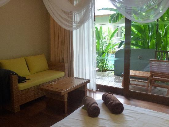 Metadee Resort and Villas: BEDROOM