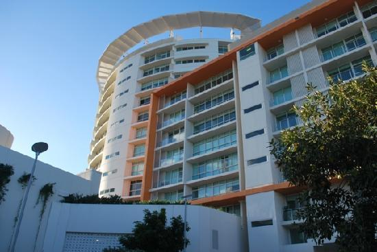 entry picture of kirra surf apartments coolangatta. Black Bedroom Furniture Sets. Home Design Ideas