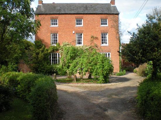 The Green Farm: House
