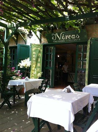 nireas restaurant