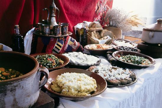 SuneoClub Chrissi Amoudia : Food