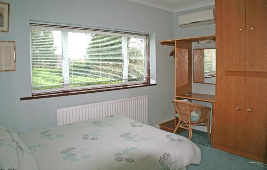 Willow House B&B: Double Bedroom