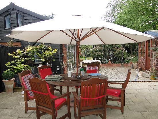 Cranmoor House: Outdoor seating area