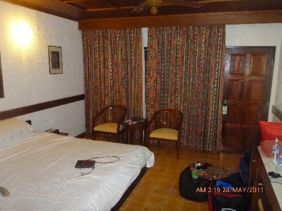 Tropica Resort and Restaurant: room