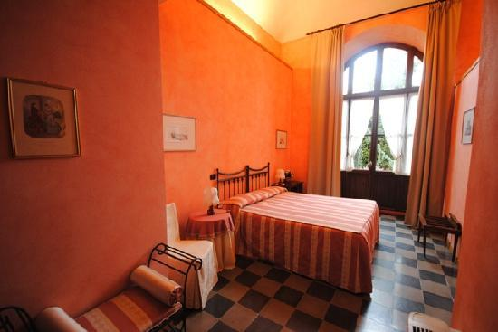 Serralunga d'Alba, Italy: Porta Alba