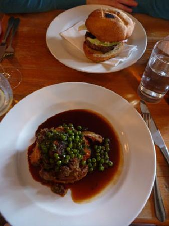The Bath Arms: lamb and burger