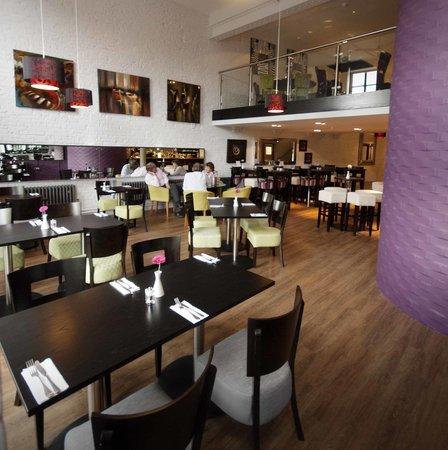 Browns Bar & Dining: mezzanine view