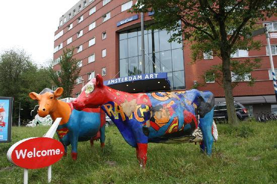 WestCord Art Hotel Amsterdam: hotel with its cows