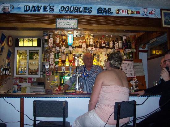 Briny View Hotel: daves doule bar