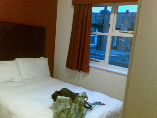 Millers Hotel: Bed