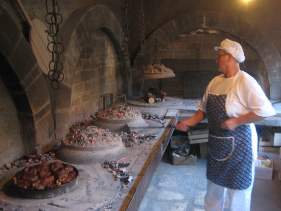 Skradin, Kroatien: Traditional Konoba Cooking