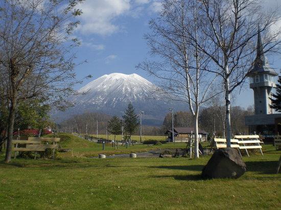 Shikotsu-Toya National Park, اليابان: 有島記念館から観た羊蹄山2
