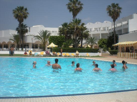 Hotel El Fell: aquagym dans la piscine