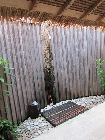 Misool Eco Resort: Shower