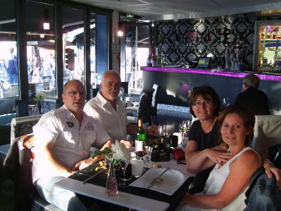 "O VIP Restaurant : ""chaud l'ambiance"""