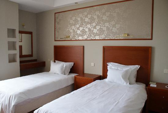Continental: Room 3
