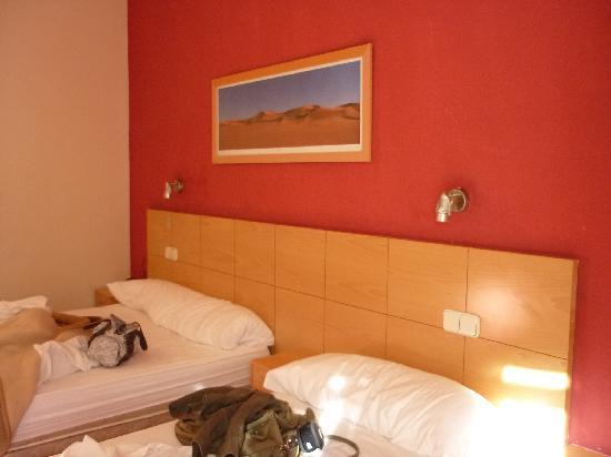 Hostal Tijcal : Chambre 3 lits individuels