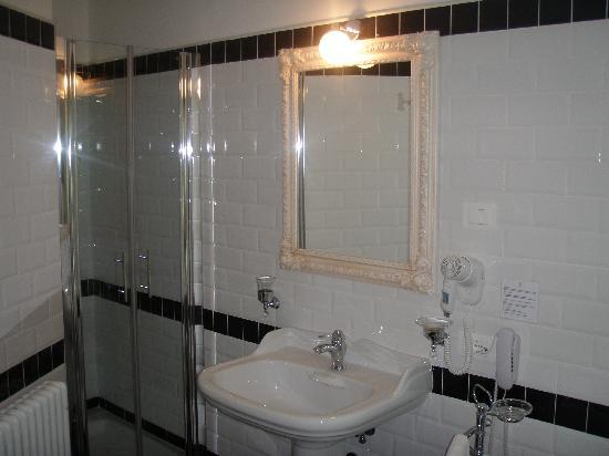 bagno bellissimo... - Foto di Hotel Corsignano - Pienza, Pienza ...