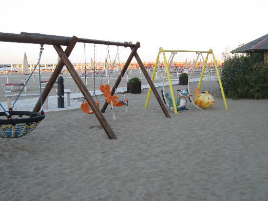 Residence Belmare: playground equipment on the beach