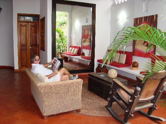 Sala De Estar De Gloria ~ Sala de estar planta alta  Foto de Hotel Casa del Curato, Cartagena