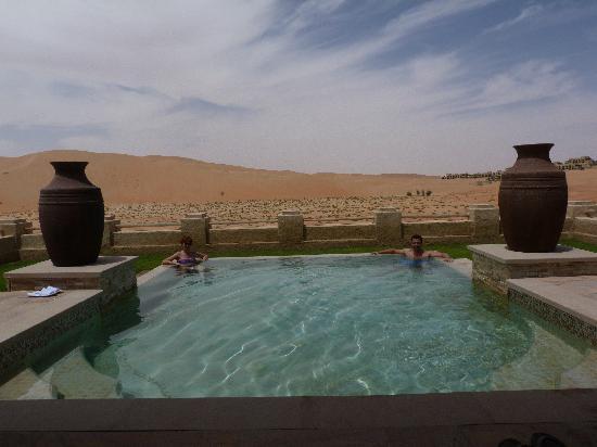 Qasr Al Sarab Desert Resort by Anantara: La piscina de la villa
