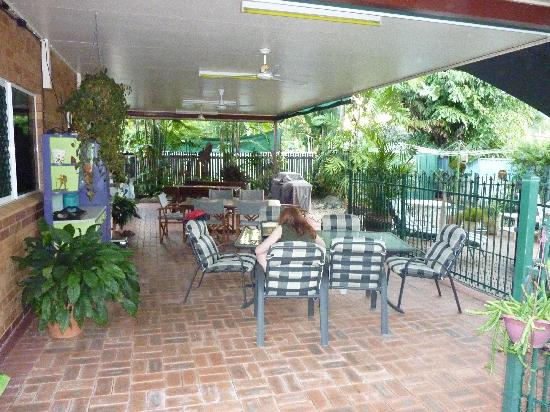 Cairns Bed & Breakfast: breakfast area