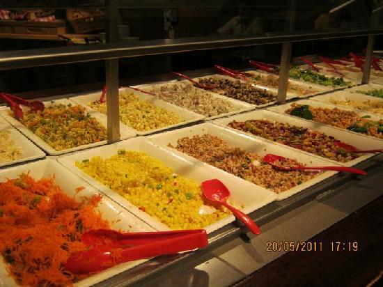 Tucker's Marketplace: Salad Bar