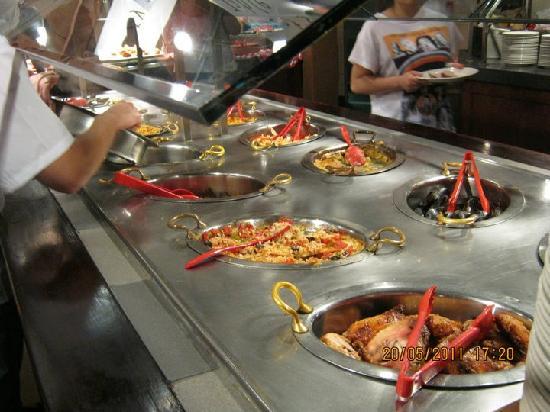 Tucker's Marketplace: Hot Food 1