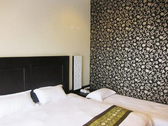 Jonker Boutique Hotel: Room with pretty wallpaper