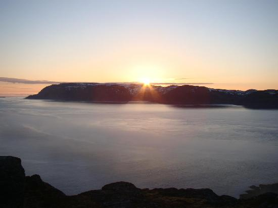 Havoysund Hotell & Rorbuer : Midnight sun