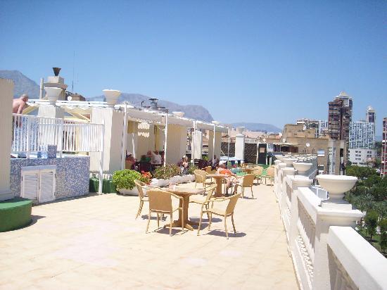 Magic Cristal Park Hotel: Roof top Sun deck and bar area