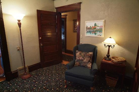 Greenbriar Inn : Guestroom on third floor