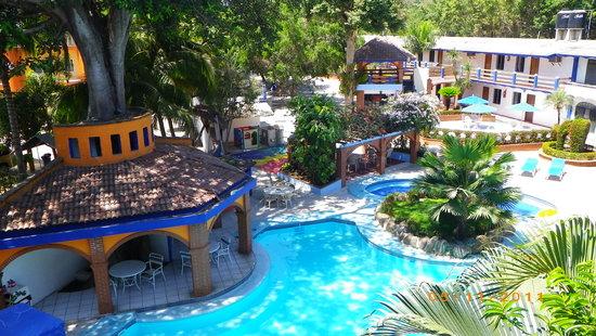 As De Oros: Great pool area