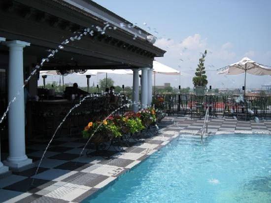 Market Pavilion Hotel : Pavillion Pool and Bar