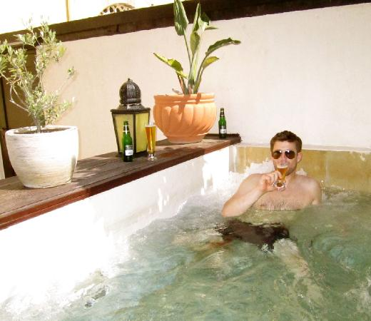 Spirit of the Knights Boutique Hotel: In the hot tub!