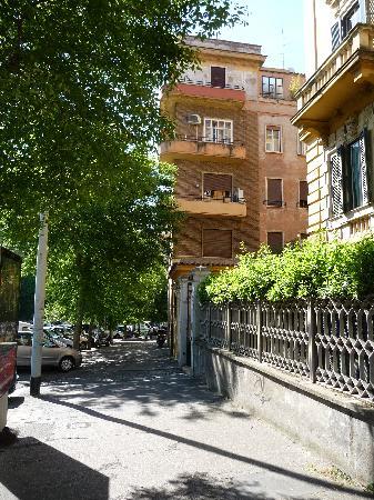 My Guest Roma: Viale XXI Aprile 12