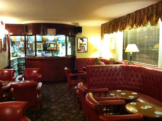 Dergvale Hotel: the bar