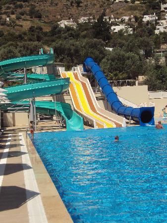 Voyage Turkbuku: une piscine irréprochable