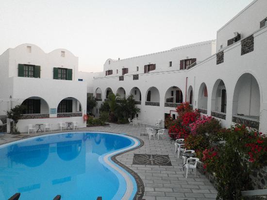 New Haroula Hotel: SWIMMING POOL