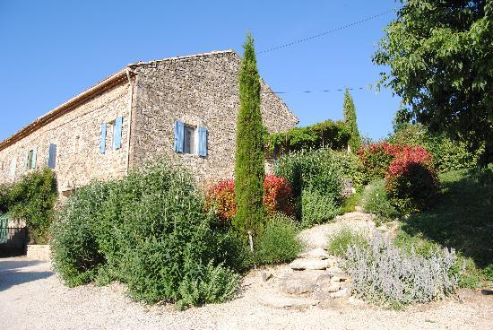 Maison d'hôtes La Guillone : la nostra camera è la seconda finestra al primo piano