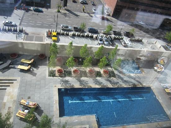 Four Seasons Hotel Denver: nice pool